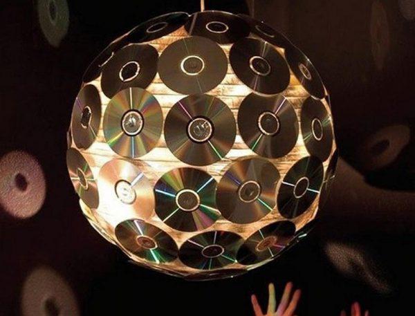 Светильник из компакт дисков своими руками