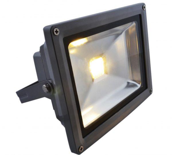Тусклое свечение светодиодного прожектора