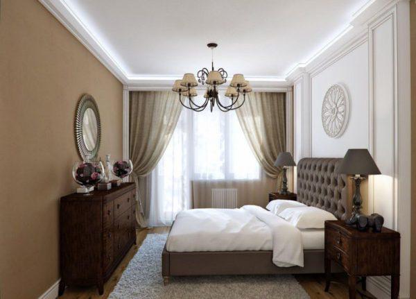 Сочетание люстры и светодиодной подсветки в спальной комнате