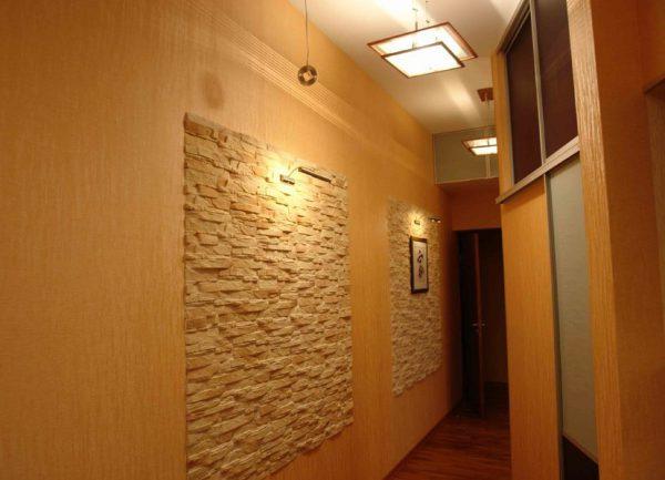 В коридоре лучше использовать теплый свет