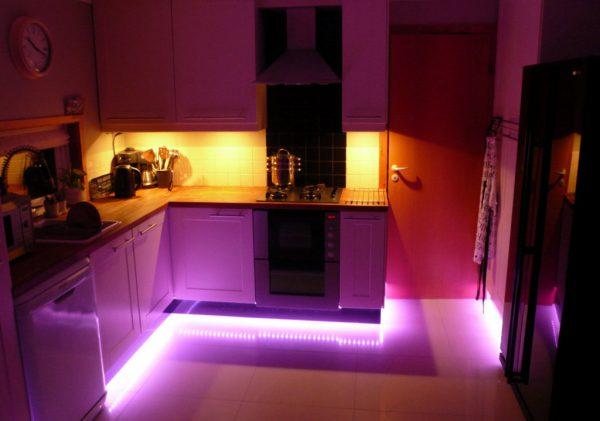 Нижняя подсветка кухонных шкафов