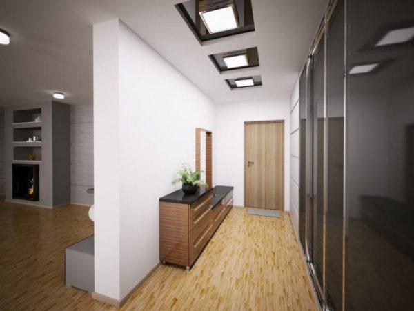 В прихожей с низким потолком лучше использовать накладные светильники