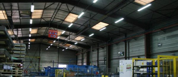 LED-светильники промышленного типа отличаются низким энергопотреблением и долгим сроком службы