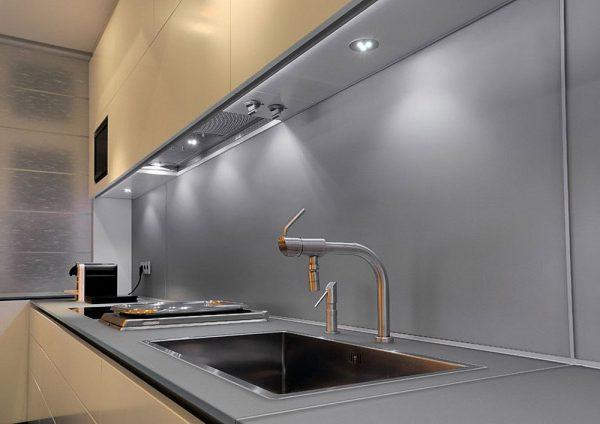 Встраиваемые точечные светильники для подсветки на кухне