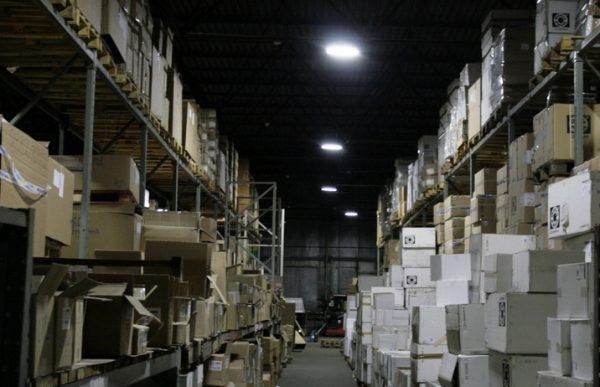 Аварийное освещение склада с помощью светодиодных светильников