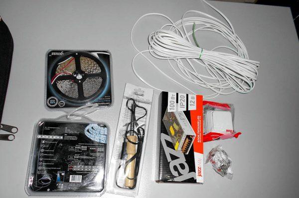 Материалы для монтажа светодиодной ленты в торговую витрину
