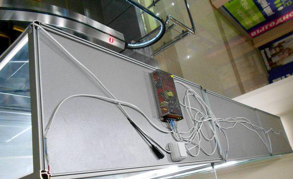 Монтаж питания LED-ленты для подсветки витрины