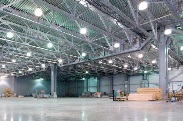 Общее освещение на складе