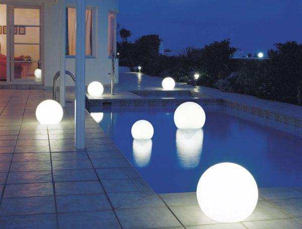 Плавающие светильники для открытого бассейна