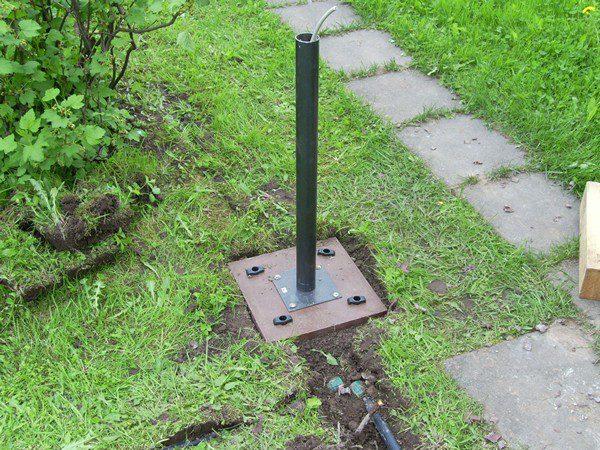 Прокладка кабеля для уличного светильника