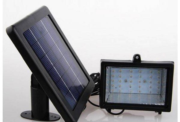 Светодиодный прожектор с солнечной батареей