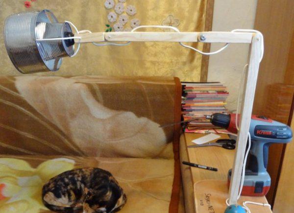 Самодельный шарнир для настольной лампы