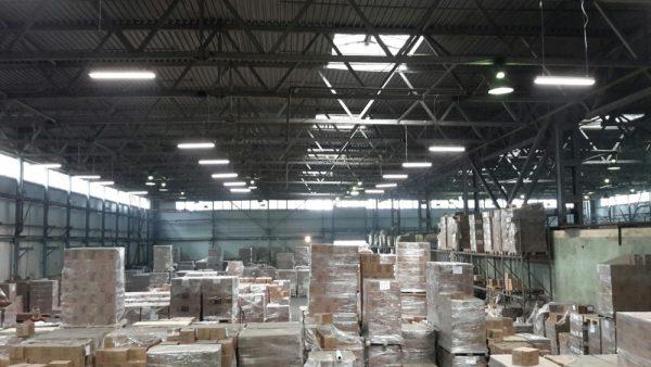 Смешанное освещение складского помещения