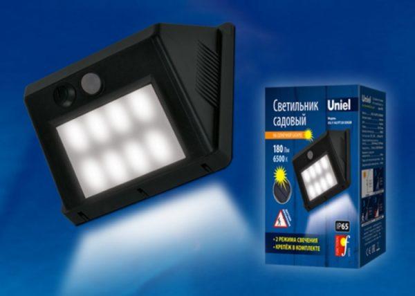 Светильник на солнечных батареях с датчиком движения