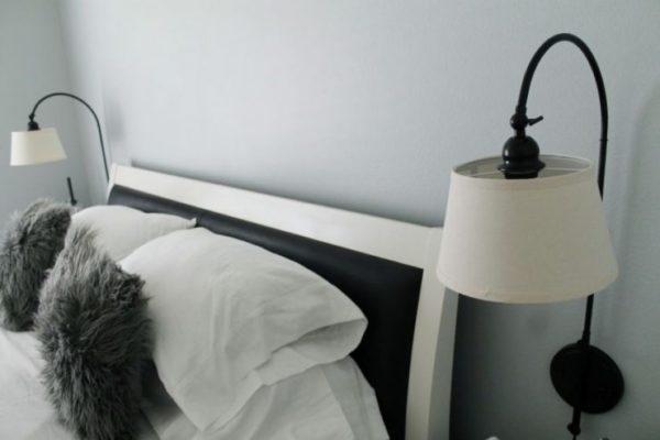 Для включения прикроватного светильника не нужно вставать с кровати