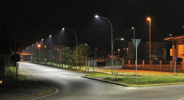 Наружное освещение улиц и дорог