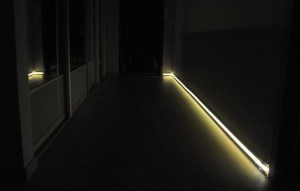Ночная подсветка в коридоре