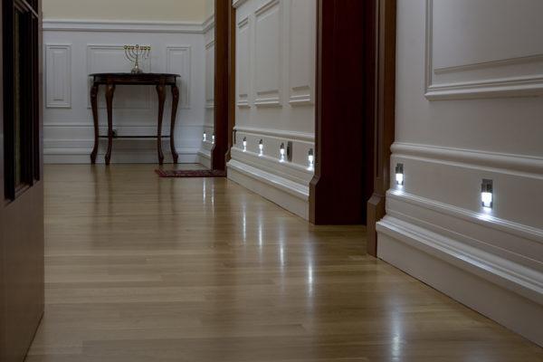 Дополнительное освещение в коридоре