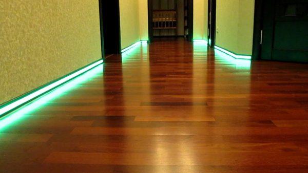 Подсветка пола светодиодной лентой