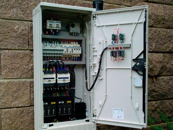 Шкаф наружного освещения с защитой от пыли и влаги