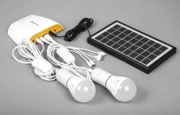 Светодиодные светильники в комплекте с солнечной панелью