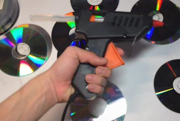 Изготовление светильника из компакт-дисков