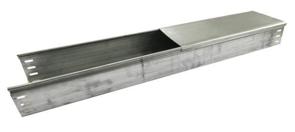 Закрытый металлический профиль для прокладки кабеля