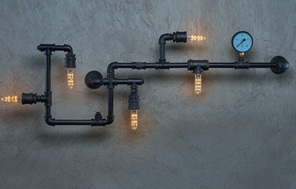 Настенный светильник из труб