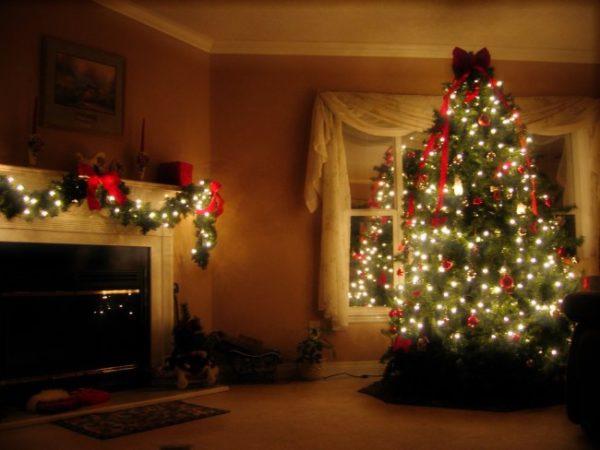 Новогоднее оформление комнат в частном доме