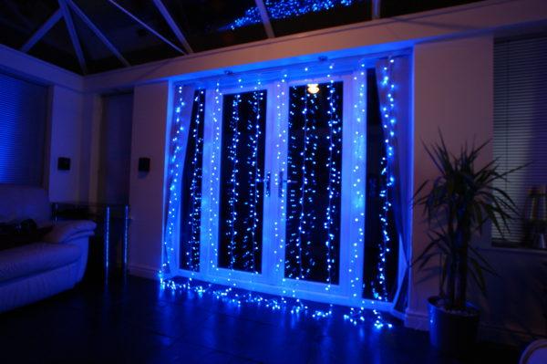 Праздничное освещение внутри помещения