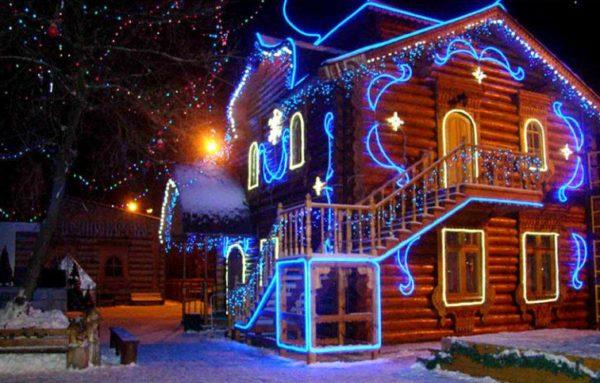 Использование дюралайта для новогодней подсветки дома