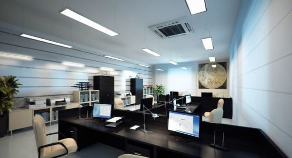 Подвесные потолочные светильники в офисе