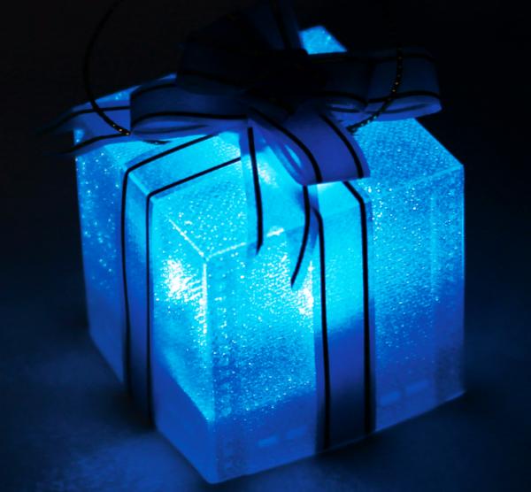 Светильник из пластиковой коробки