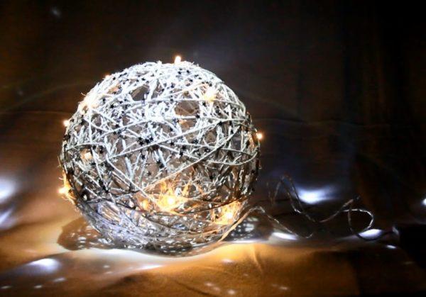 Новогодний светильник-шар своими руками