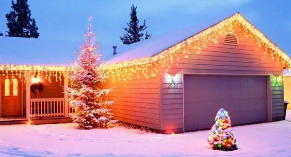 Уличные гирлянды можно использовать для интерьерной подсветки в доме