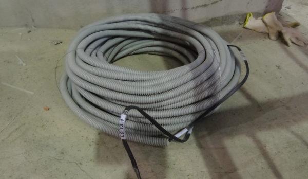 Для скрытой проводки применяется гофрированная труба