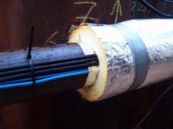 Изоляция для труб с греющим кабелем