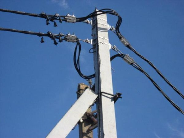 Самонесущий провод применяется для прокладки электролиний по воздуху