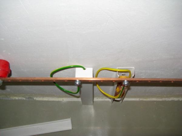 Переход на шину заземления с использованием ПВ3
