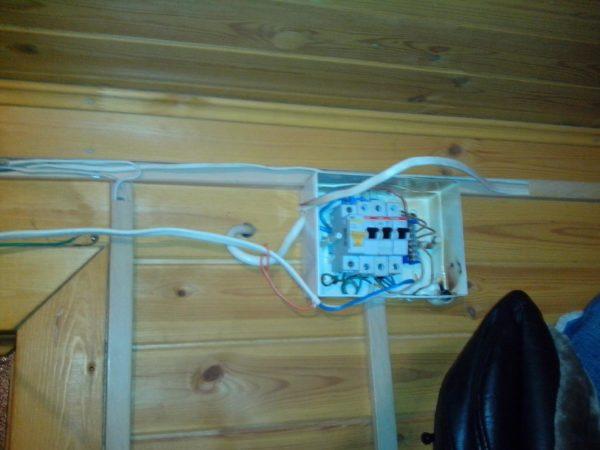 Монтаж провода под плиту