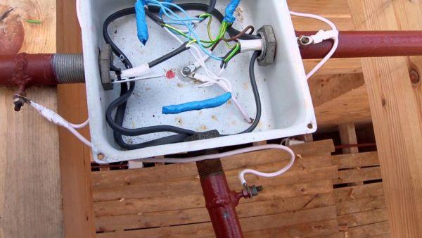 Соединение проводников в распредкоробке
