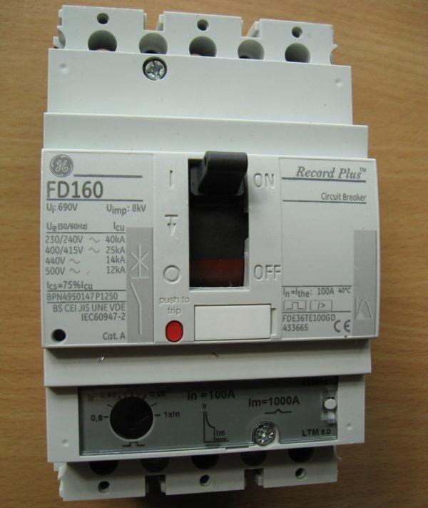 Вводный автоматический выключатель