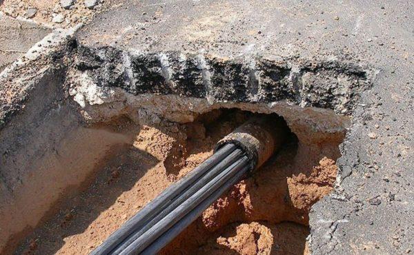Прокол под дорогой для прокладки кабеля