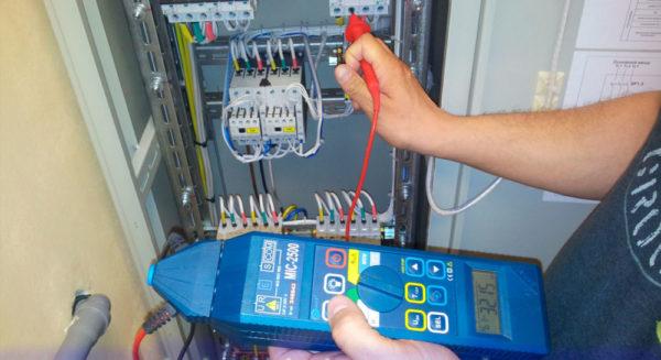 Регулярное испытание кабельных линий позволяет предотвратить утечки тока и короткие замыкания