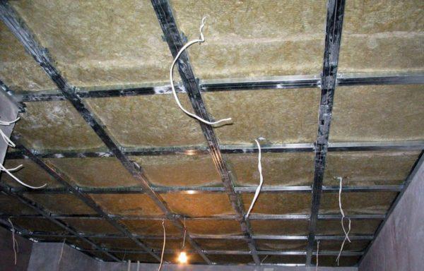 Организация электрики под подвесным потолком