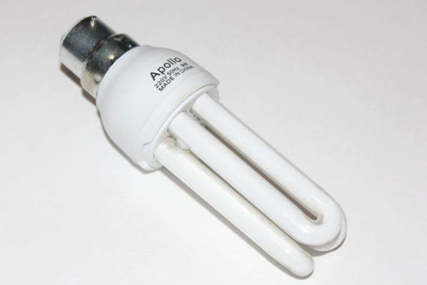 Энергосберегающая лампочка B22