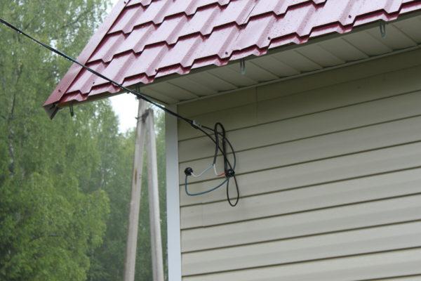 Подвод кабеля к дачному домику по воздуху
