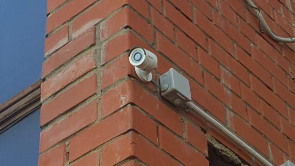 Подвод провода к системам видеонаблюдения
