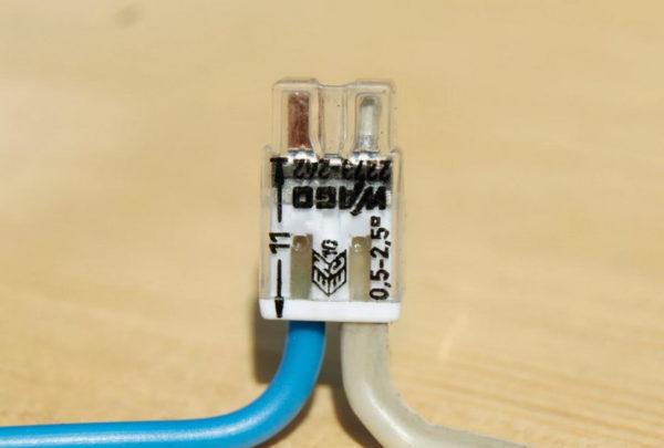 Соединение алюминиевого и медного провода с помощью клеммы