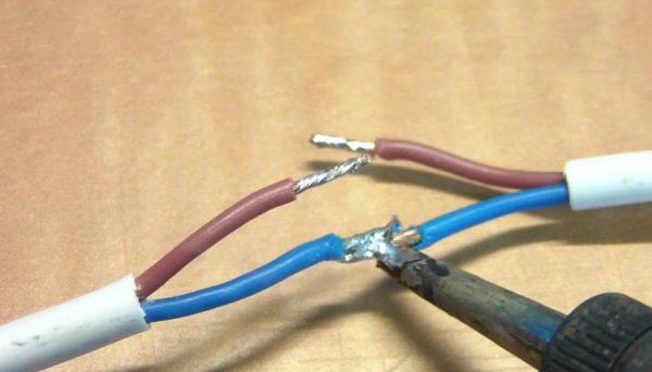 Пайка соединительного кабеля